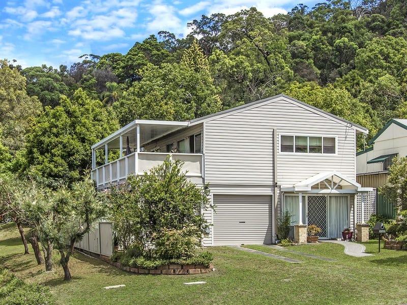 16 Talinga Avenue, Point Clare, NSW 2250