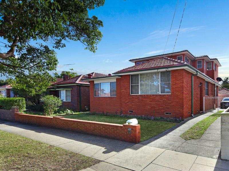 38 First Avenue, Rodd Point, NSW 2046