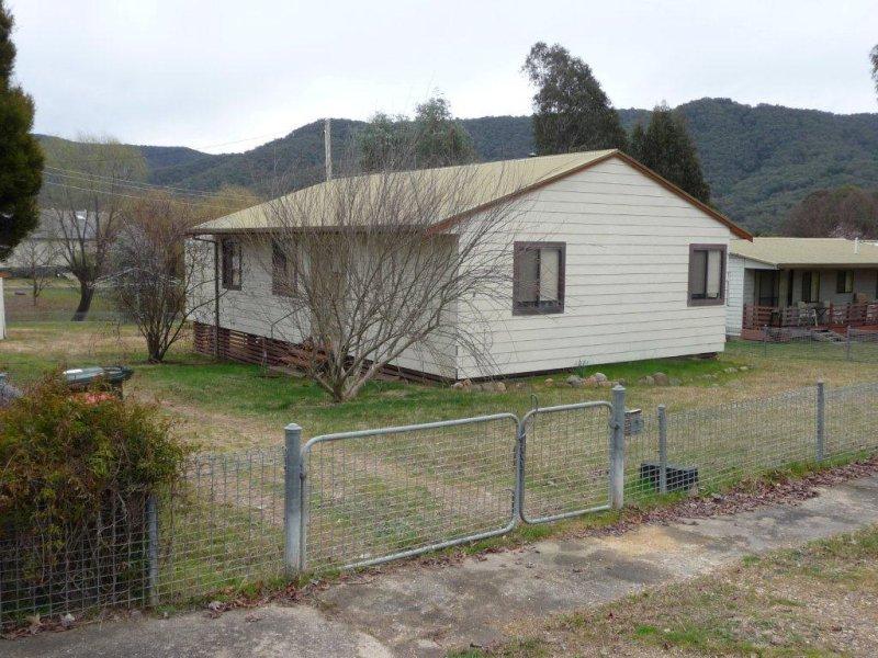 8 Clayton Street, Talbingo, NSW 2720