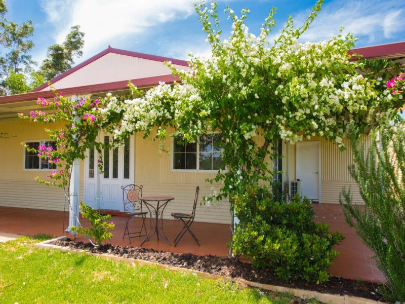 5 Hill River Way, Moonyoonooka, WA 6532