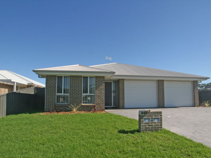 14 Chichester Road, Sussex Inlet, NSW 2540