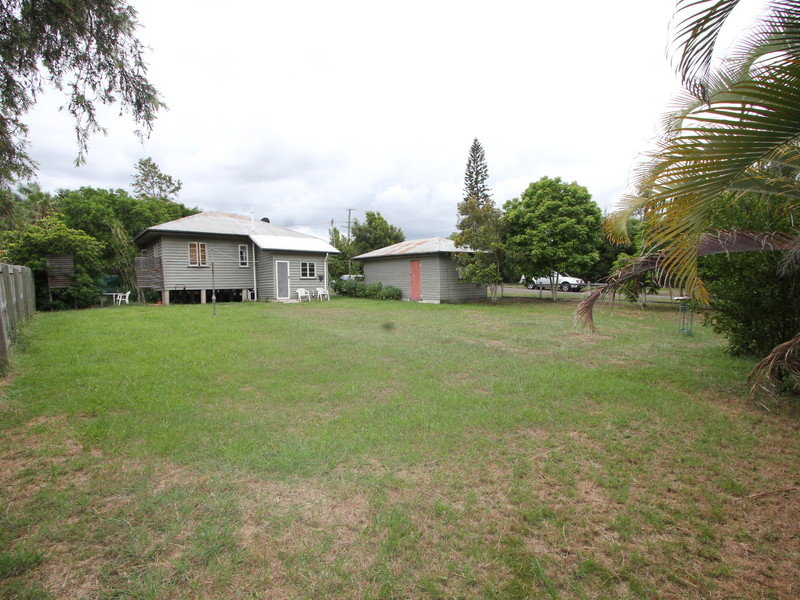 11a Cemetery Road, Raceview, Qld 4305