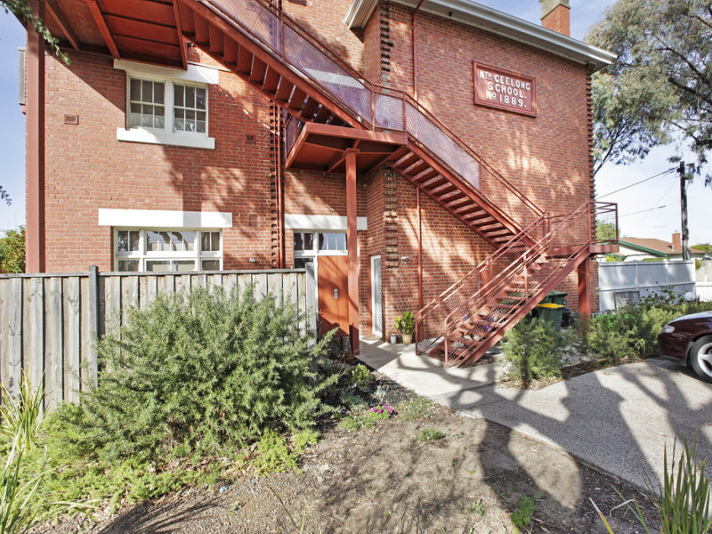8/209 Melbourne Road, Rippleside, Vic 3215