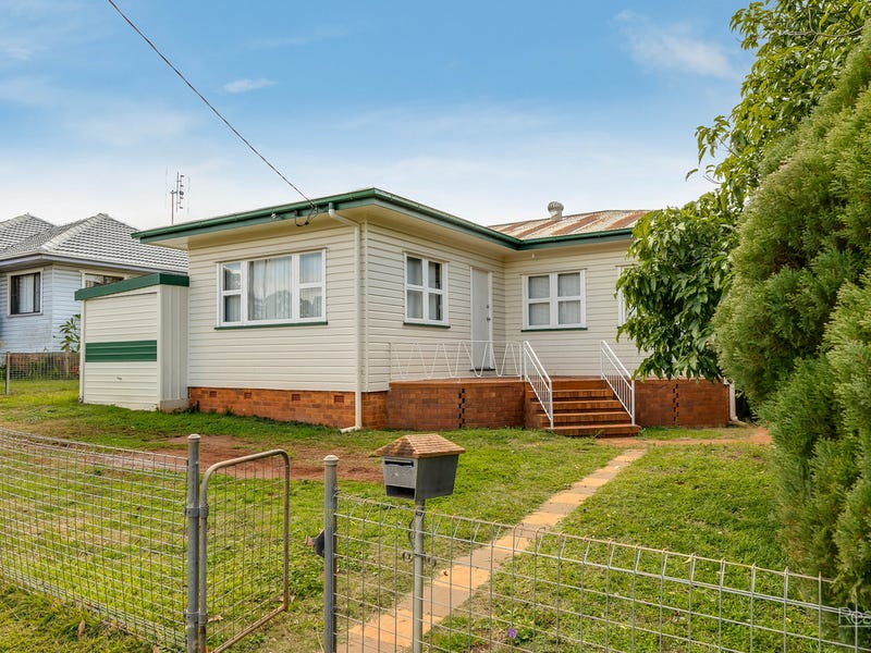 29 Welcombe Avenue, Rockville, Qld 4350