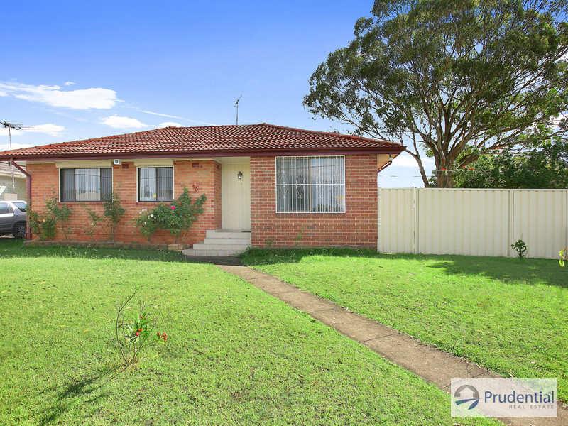 1 Compton Avenue, Lurnea, NSW 2170