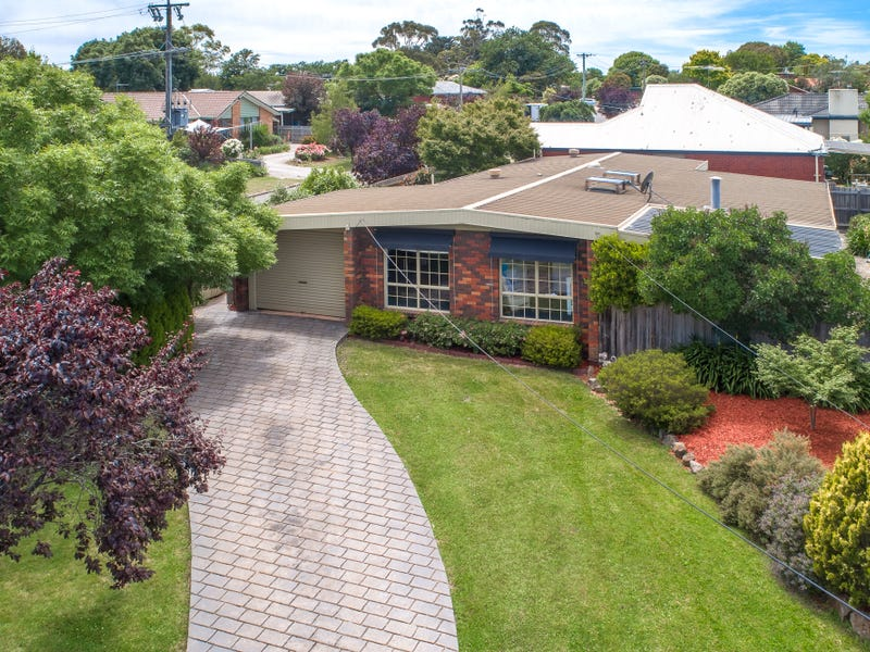 7 Worcester Road, Gisborne, Vic 3437