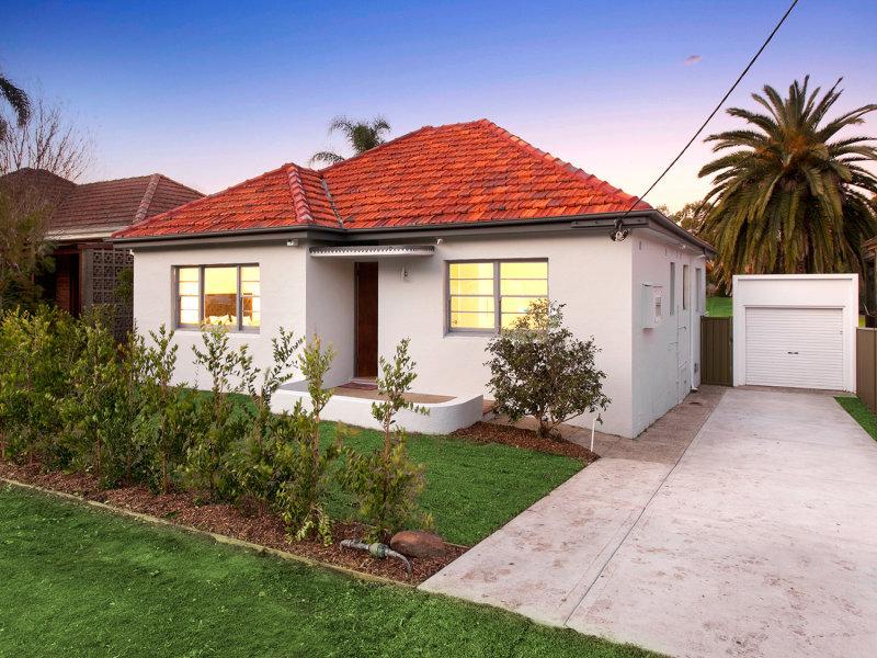 10 Erang Street, Carss Park, NSW 2221