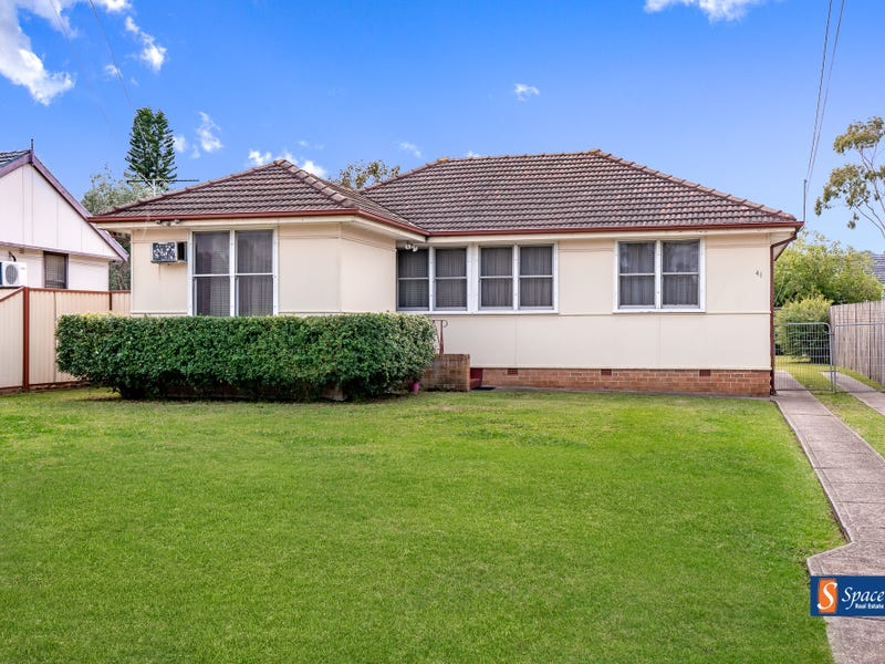 41 Pinnacle Street, Sadleir, NSW 2168