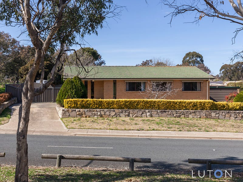 1 Warby Place, Charnwood, ACT 2615