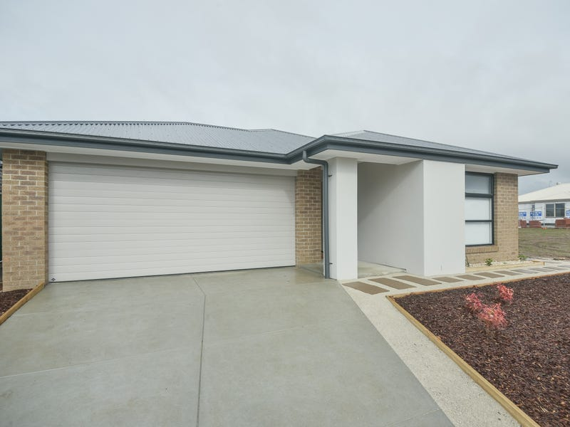 29 Cinnamon Drive, Lake Gardens, Vic 3355