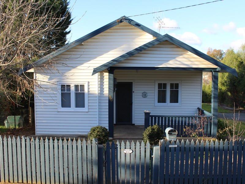 30 Shaw Street, Yass, NSW 2582