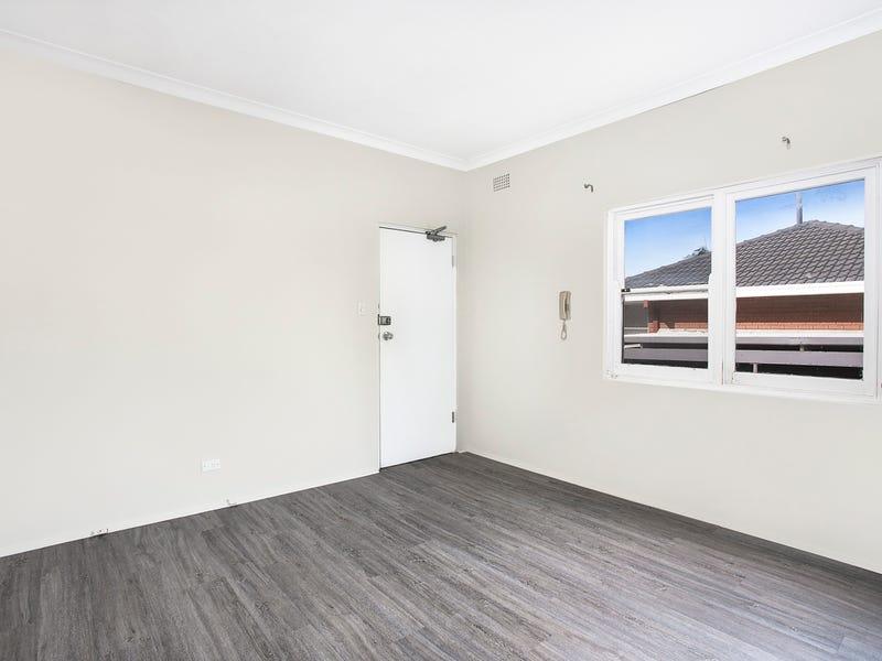 1/35 Denman Avenue, Woolooware, NSW 2230