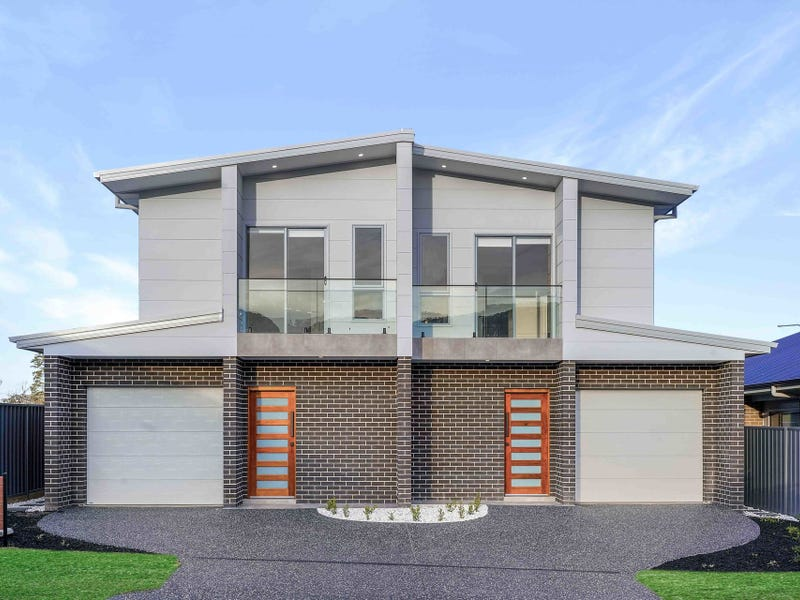 18b Saddleback Crescent, Kembla Grange, NSW 2526