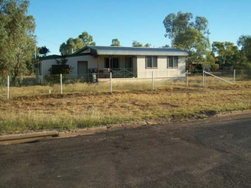 2 Bloomfield, Winton, Qld 4735