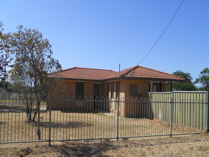 1 Harris St, Trangie, NSW 2823