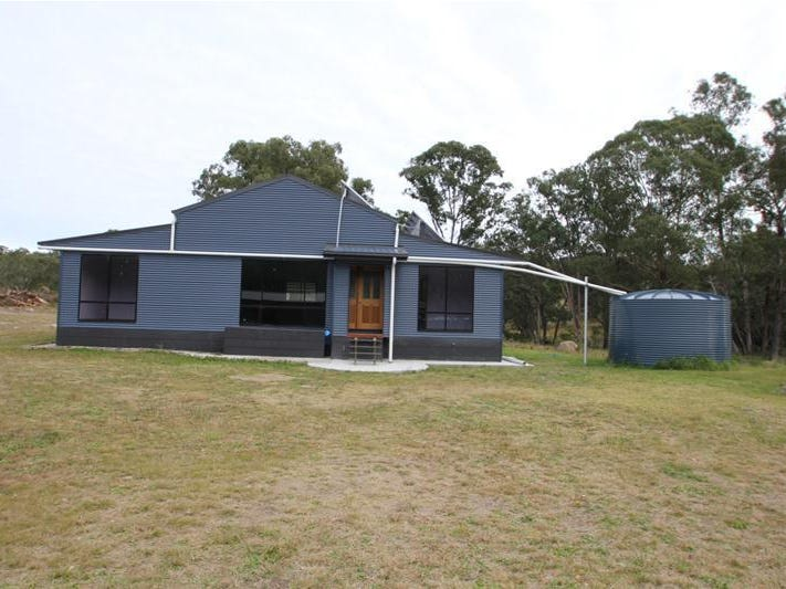 143 Red Hill Road, Tenterfield, NSW 2372