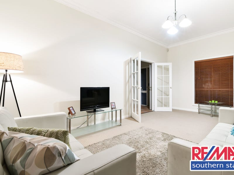 118 Station Street, East Cannington, WA 6107