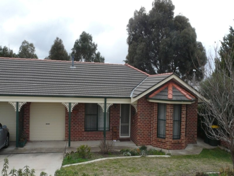 2/213 Ophir Road, Bathurst, NSW 2795
