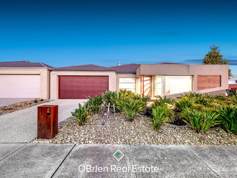 2 Evesham Street, Cranbourne North, Vic 3977