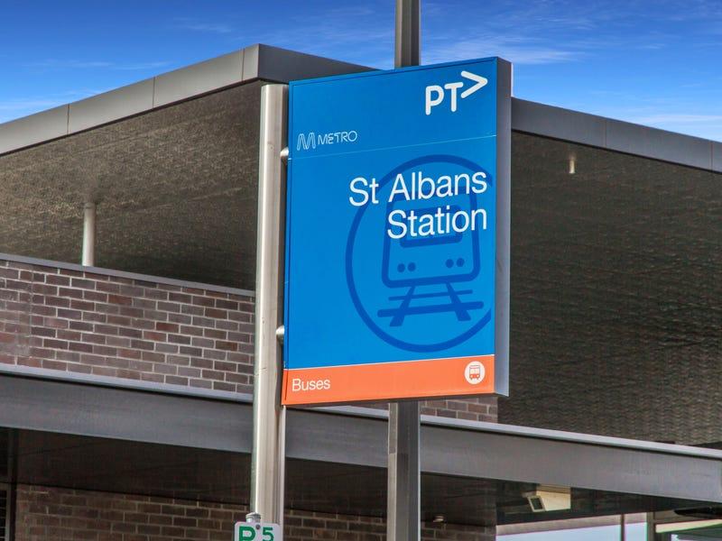 2 Adelaide Street, St Albans, Vic 3021