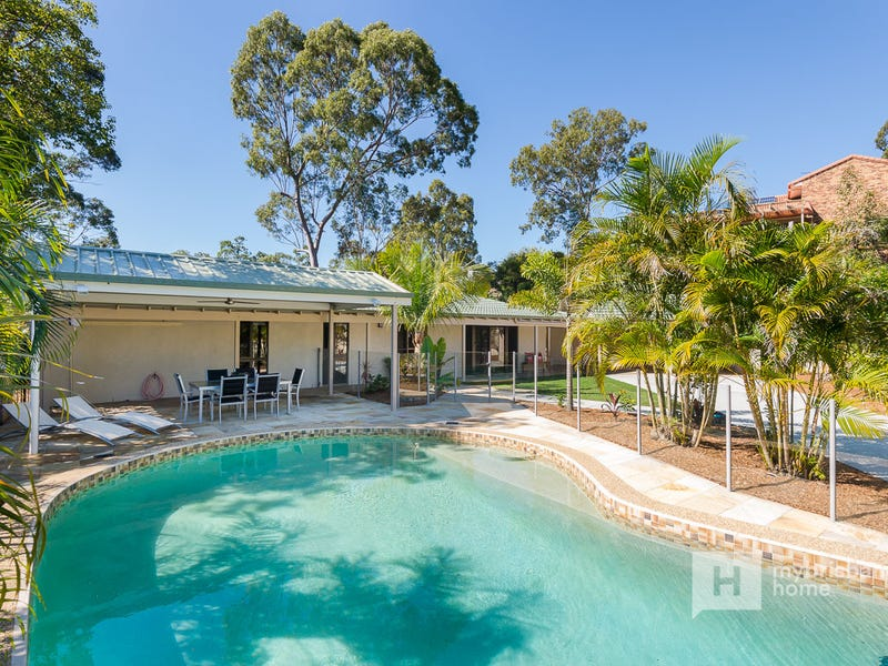 2 Welcome Street, Chapel Hill, Qld 4069