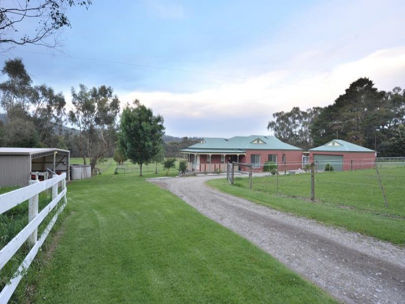 230 Old Sale Road, Garfield North, Vic 3814