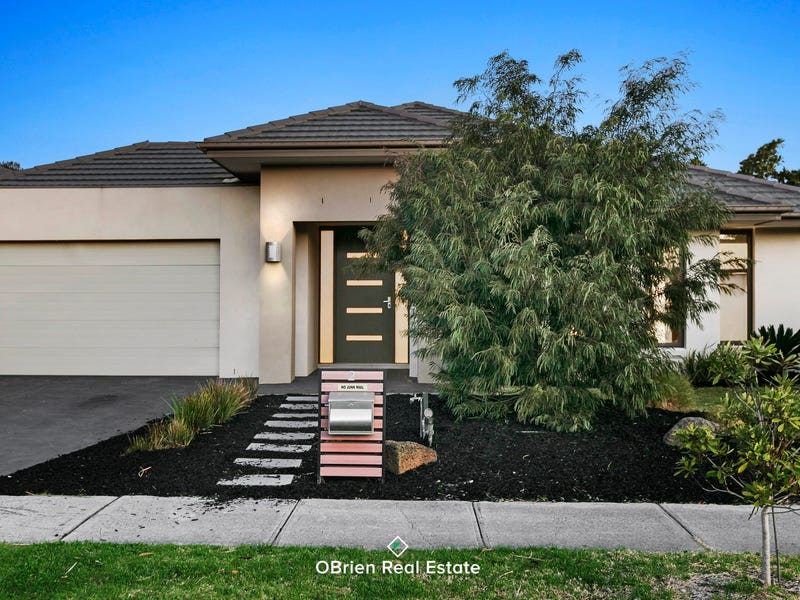 2 Portland Place, Waterways, Vic 3195