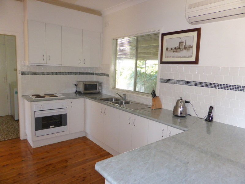 17 Orange Street, Parkes, NSW 2870