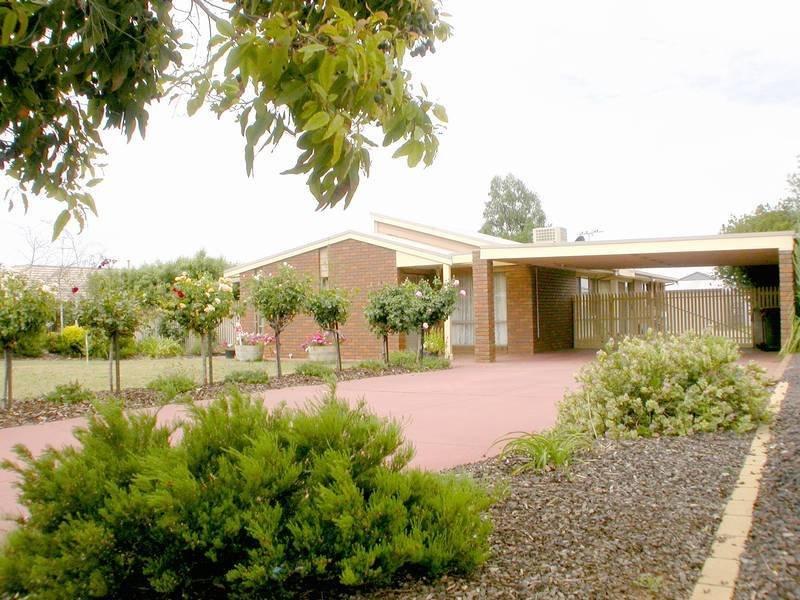 39 Cairns Drive, Bacchus Marsh, Vic 3340