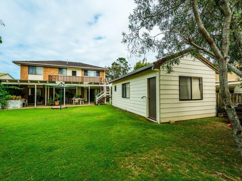 4 Azalea Avenue, Mylestom, NSW 2454