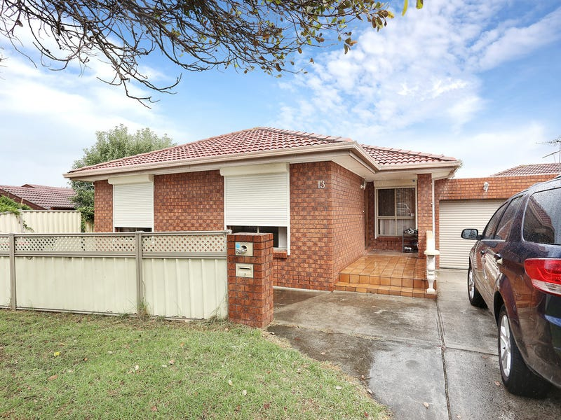 13 Nicholson Crescent, Meadow Heights, Vic 3048