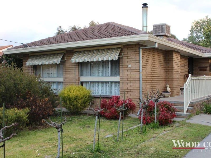 11 Mellor Grove, Swan Hill, Vic 3585