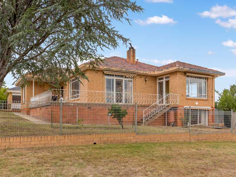 45 Molonglo Street, Queanbeyan, NSW 2620
