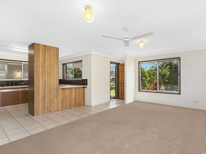 19 Blundell Boulevard, Tweed Heads South, NSW 2486
