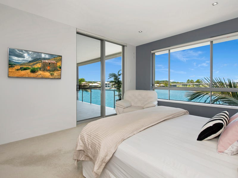 423/3 Pendraat Parade, Hope Island, Qld 4212