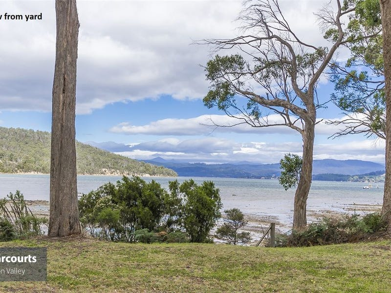 16 Challis Crescent, Deep Bay, Tas 7112