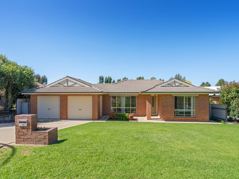 11 Fitzroy Street, Tatton, NSW 2650
