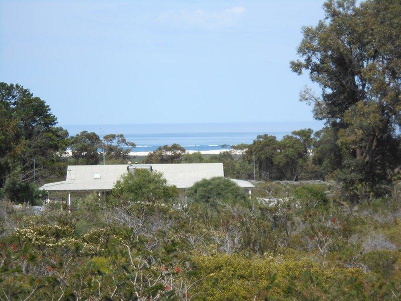 421 Ocean Farm Drive, Nilgen, WA 6044