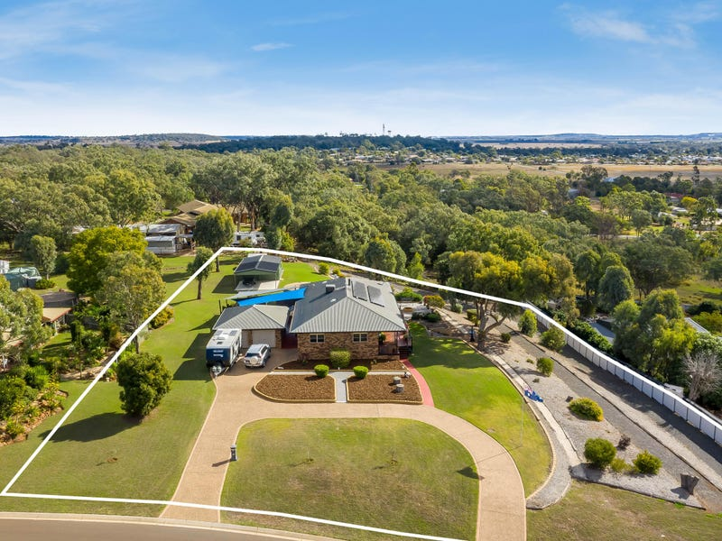 1 Langton Crescent, Oakey, Qld 4401