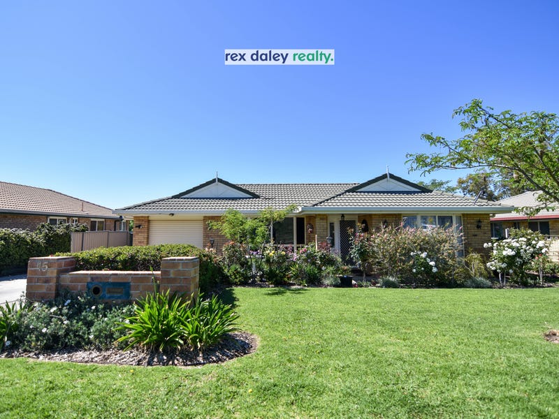 15 Brownleigh Vale Drive, Inverell, NSW 2360