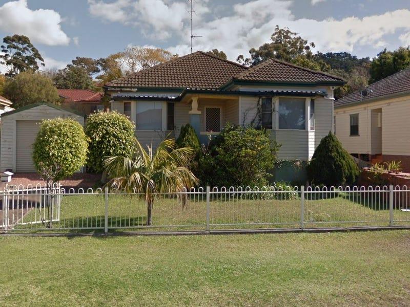 14 Myrtle Street, Coniston, NSW 2500