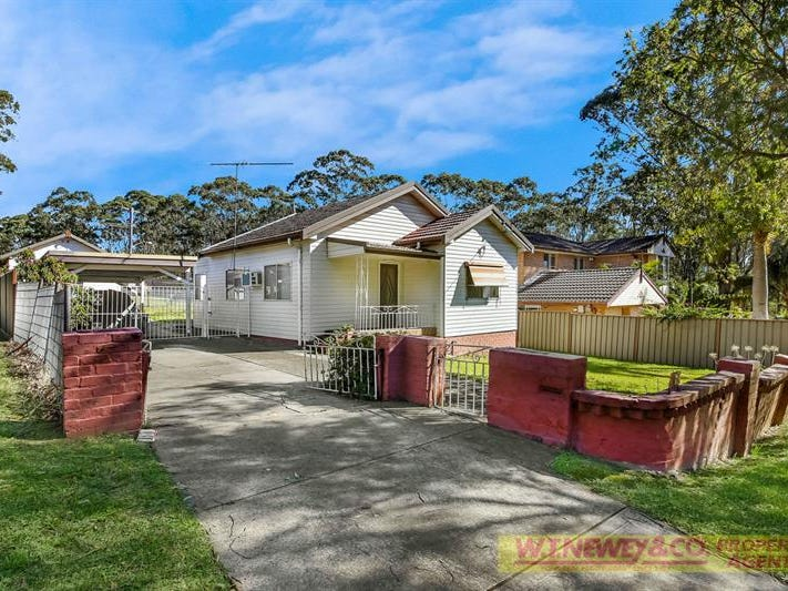 6 Georges Cres, Georges Hall, NSW 2198