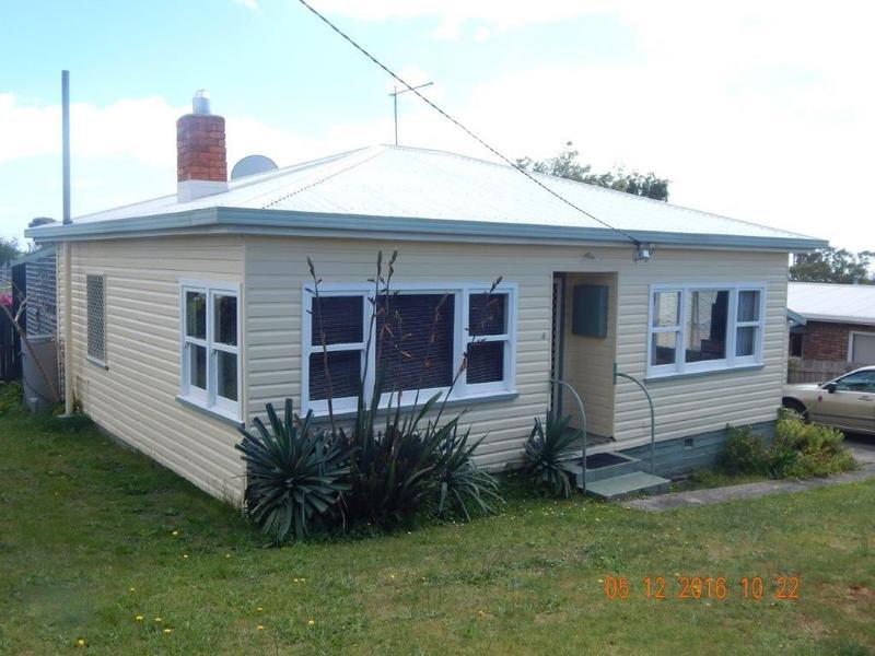 4 Fielding Street, Penguin, Tas 7316