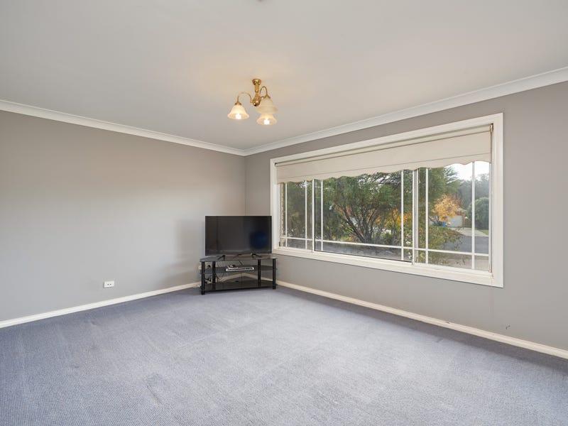 8 Corella Place, Estella, NSW 2650