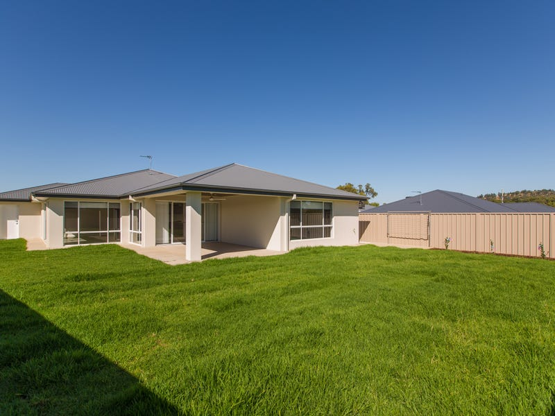 34 Darcy Drive, Boorooma, NSW 2650