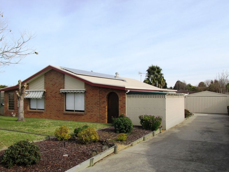 59 Balmoral Crescent, Eastwood, Vic 3875