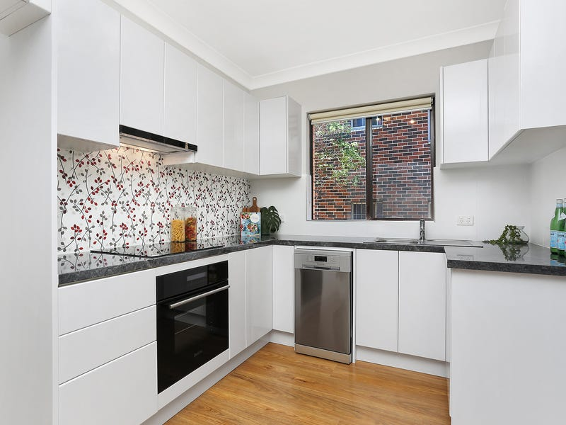 2/6 Queens Road, Westmead, NSW 2145