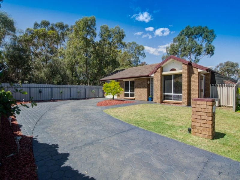 4 Hughes Court, Green Fields, SA 5107