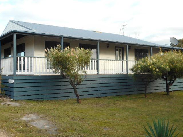 2 Barnett Close, Binalong Bay, Tas 7216