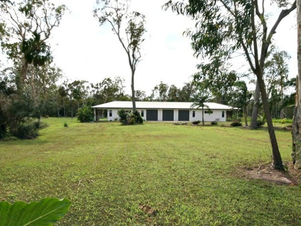 10 Coral Reef Court, Armstrong Beach, Qld 4737
